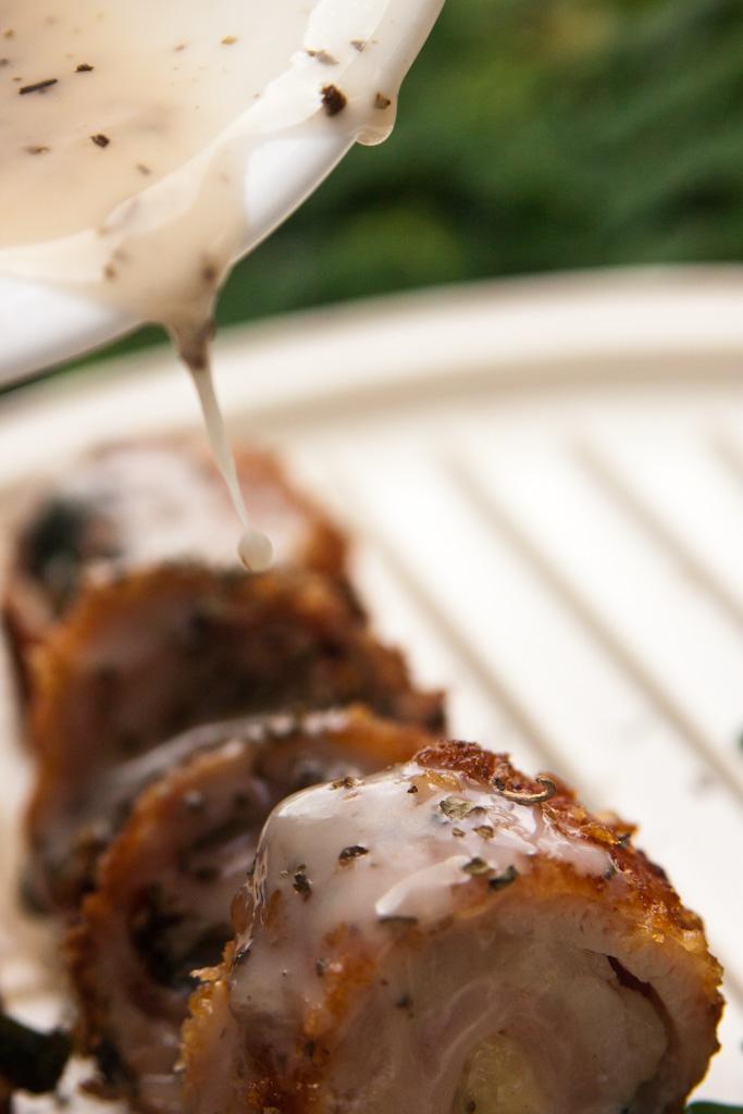 chicken rolls sauce