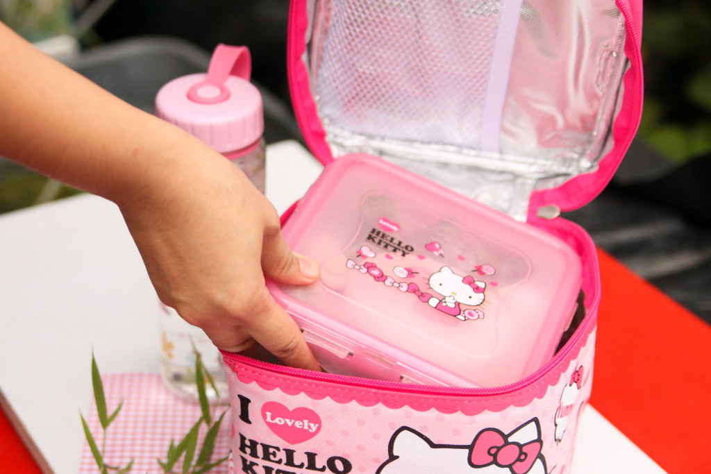 lock and lock hello kitty container